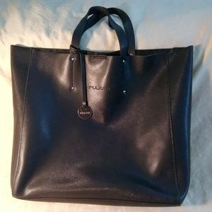 Pulicati black cross-hatched leather tote